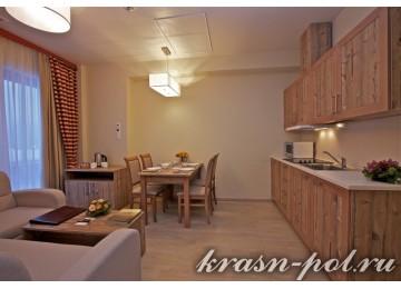 Отель «Поляна 1389» Семейный апартамент 4-местный 3-комнатный
