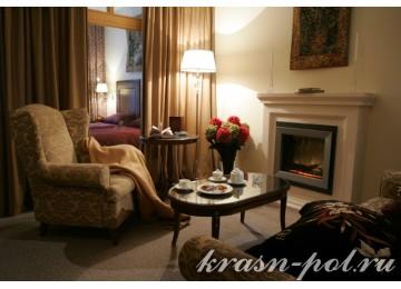 Отель «Гранд-отель Поляна» 4-местный 3-комнатный семейный люкс