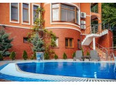 Отель «Alm House» | Внешний вид, территория, бассейн